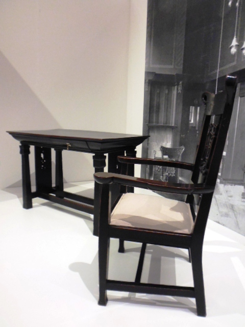 Mackintosh - Dining Set