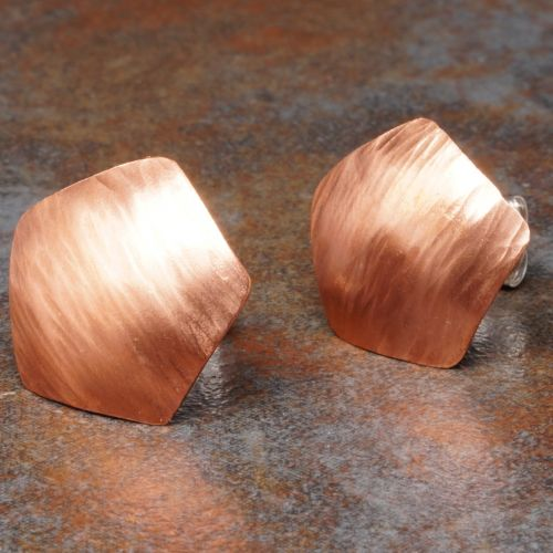 Pentagonal Concaved Bark Copper Studs Closeup