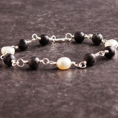 Larvikite and Pearl Bracelet 02 Full View