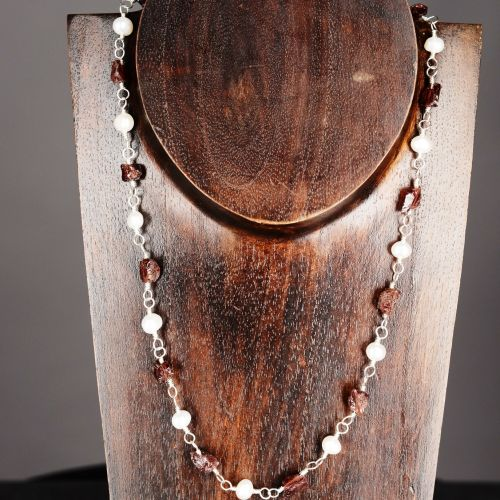 Raw Garnet and Ivory Freshwater Pearl Choker 01 Full View